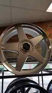 "20"" hdt momo star wheels to suit most commodores Preston Darebin Area Preview"