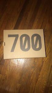 YEEZY 700 MAUVE (DS)
