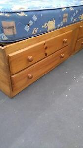 SINGLE Wooden Bed with 4 drawers (mattress $10) St Marys Penrith Area Preview