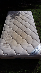 Give away single king size mattress Ferny Grove Brisbane North West Preview