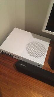 *new* Xbox one s 500gb
