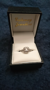 14ct White Gold w/ Diamond Engagement Ring Ringwood Maroondah Area Preview