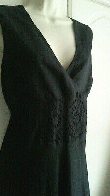 LAURA ASHLEY ~ Vintage Black Broderie Anglaise Detail Dress – UK14