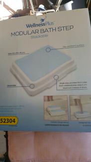 New Modular Bath Step Stackable still in box