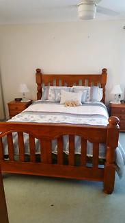Queen size bed suite