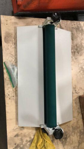 Open Box 25.5 Inch White All Metal Frame Cold Laminator Machine