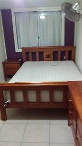 Queen size bedroom setting Gympie Gympie Area Preview
