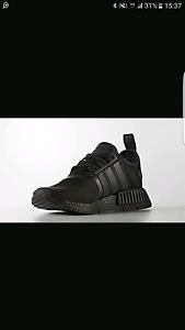 Size Swap NMD Triple black Mens US6 to US4.5 Essendon Moonee Valley Preview