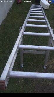 Scaffolding Ladder in Great Condition , Long:3.8Meters