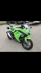 Almost new Ninja 300 with ABS
