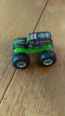 grave digger monster truck toy hot wheels