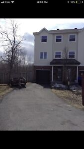 3 Bedroom End unit Townhome with 3 Parking spots Bells Corners