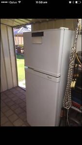Whirlpool fridge fully working !! Bayswater Bayswater Area Preview