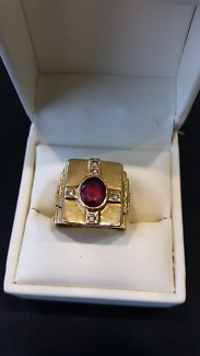 Mens 18k gold diamond ring with red stone