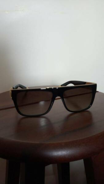 a2d2b3d2cf 9FIVE 22 Black   24K Gold Sunglasses - Gradient Lens