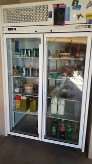 Williams commercial fridge