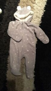 Brand new without tag 3-6 M snowsuit