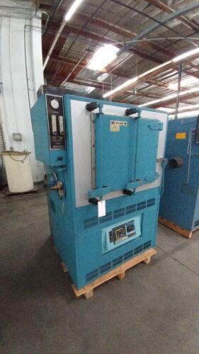 """BLUE M 1100 DEGREE  INERT GAS OVEN / FURNACE MDL  20"""" X 20"""" X 24"""" ID IGF-7780F-3"""