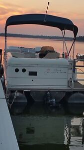 2005 25' Suntracker Pontoon Boat Regency Edition