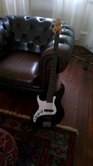 Fairlane Greg Bennett Bass