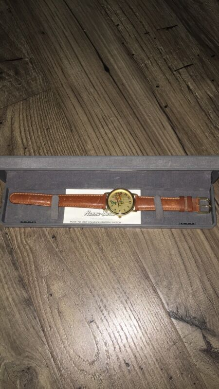1993 Yogi Bear Collector watch Hanna-Barbera Fantasma W/ Brown Leather Band