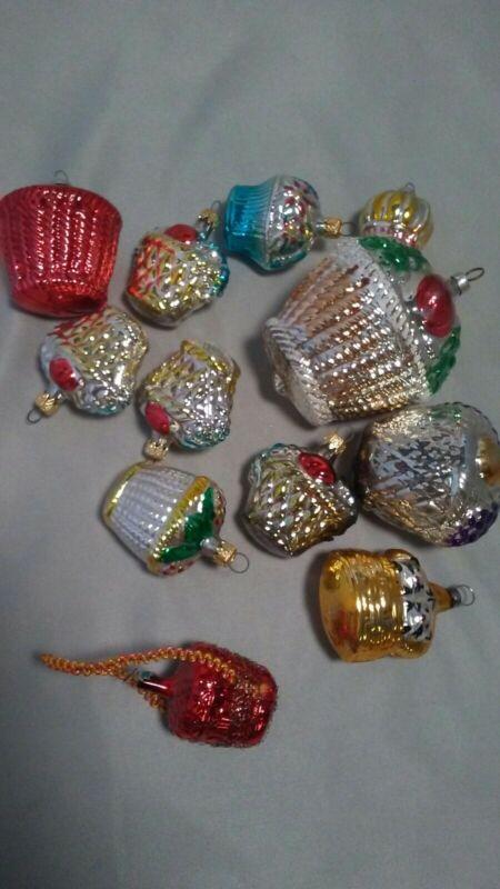12 Piece Vintage Christmas Ornaments Basket