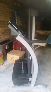 Treadmill with suspension, fan and Ethernet connection! Queanbeyan Queanbeyan Area Preview