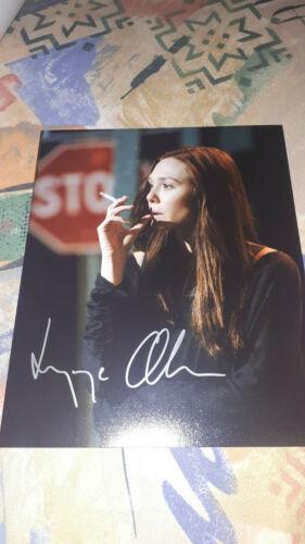 ELIZABETH OLSEN signed autograph In Person 8x10 (20x25 cm) AVENGERS