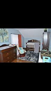 Crib/ toddler/ maxing change table