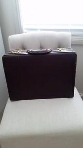Vintage brown leather briefcase Maryland Newcastle Area Preview