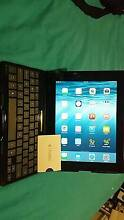 ipad with keyboard  case and $20 iTunes voucher Brisbane Region Preview