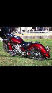 Superbe moto Road Star Édition spéciale 2000