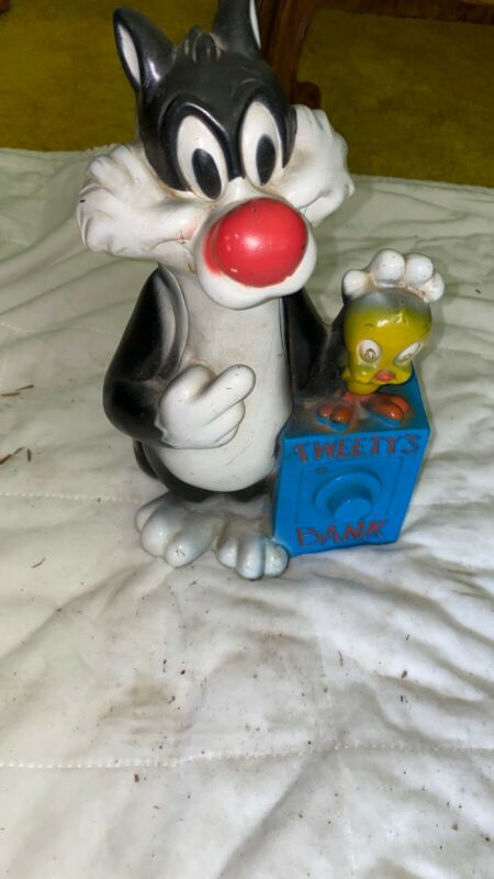 VINTAGE SYLVESTER THE CAT AND TWEETY BIRD 1972 BANK
