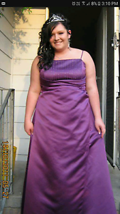 Formal dress size 16 to 18 Bethania Logan Area Preview