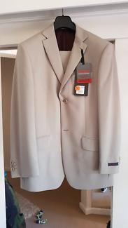 Ted Baker suit (stone colour)38R jacket/30 pants - gr8 4 races!