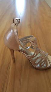 Womens high heel shoes x 4 pairs -Size 6 Mullalyup Donnybrook Area Preview