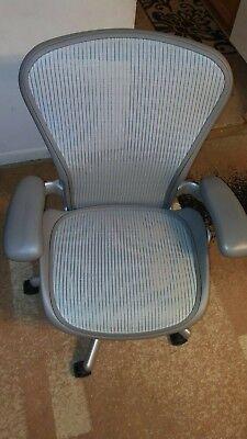 Herman Miller Aeron Mesh Office Chair Metal Slvr Color Sz B Fully Adjustable