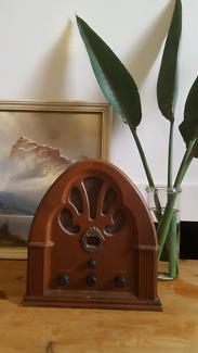 Mid Century style AM/FM Radio