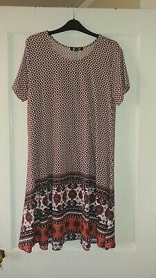 Sauci XL cream orange blue multi short sleeve swing dress EUC Multi Blue Dress