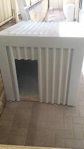 HUGE SOLID DOG KENNEL Carramar Wanneroo Area Preview