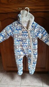 Warm winter onesie 6 to 12 months