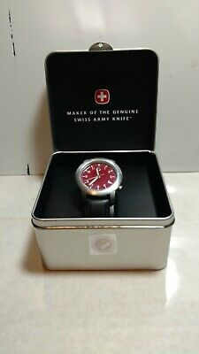 Victorinox swiss army watch mens used V7-00 Basic with box