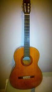 Classic guitar - Yamaha C40 Fairy Meadow Wollongong Area Preview