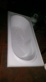 New/unused white bath tub Craigie Joondalup Area Preview