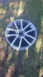 VE Holden Commodore SSV 19 inch alloy wheel Glen Iris Boroondara Area Preview