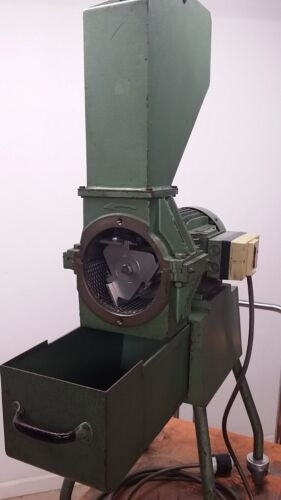 Small Plastic Material Grinder
