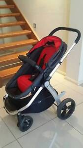 Mountain Buggy Cosmopolitan (Chilli) Pram Macquarie Links Campbelltown Area Preview
