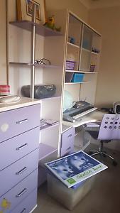 Girls king single bedroom Miller Liverpool Area Preview