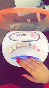 Ensemble manucure (manicure set) by Revlon