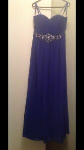 Lady's formal dresses. Must go this weekend!! Queanbeyan Queanbeyan Area Preview